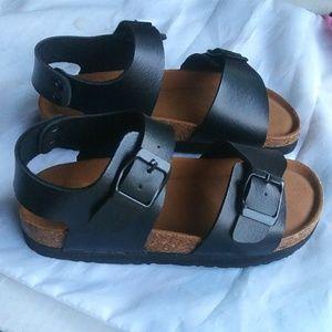 👀 Kids Sandals with 3 adjustable straps